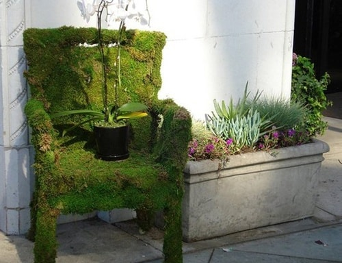 featured posts image for DIY moss covered chair for your garden