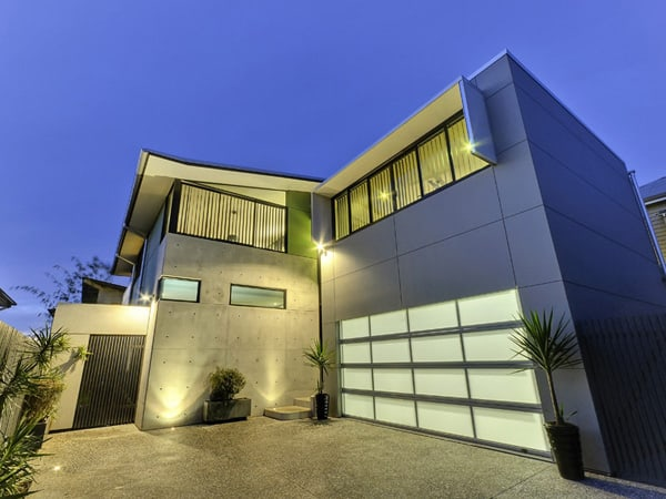 featured posts image for Modern home perched high on Teneriffe Hill
