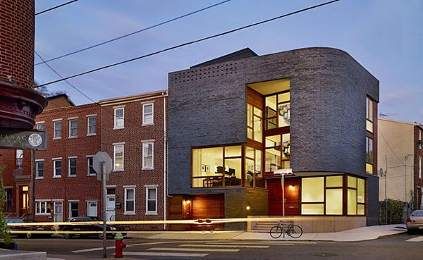featured posts image for Modern home integrated into historic neighborhood
