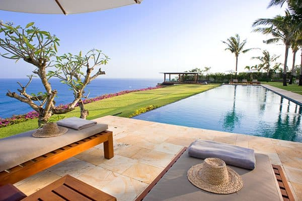 featured posts image for Luxurious private clifftop villa in Bali