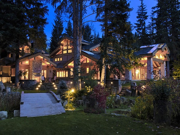 featured posts image for Enchanting luxury estate for sale in Whistler