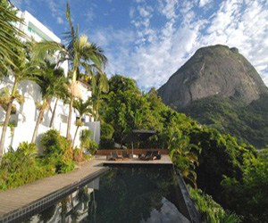 featured posts image for Seductive Brazilian villa with sensational views