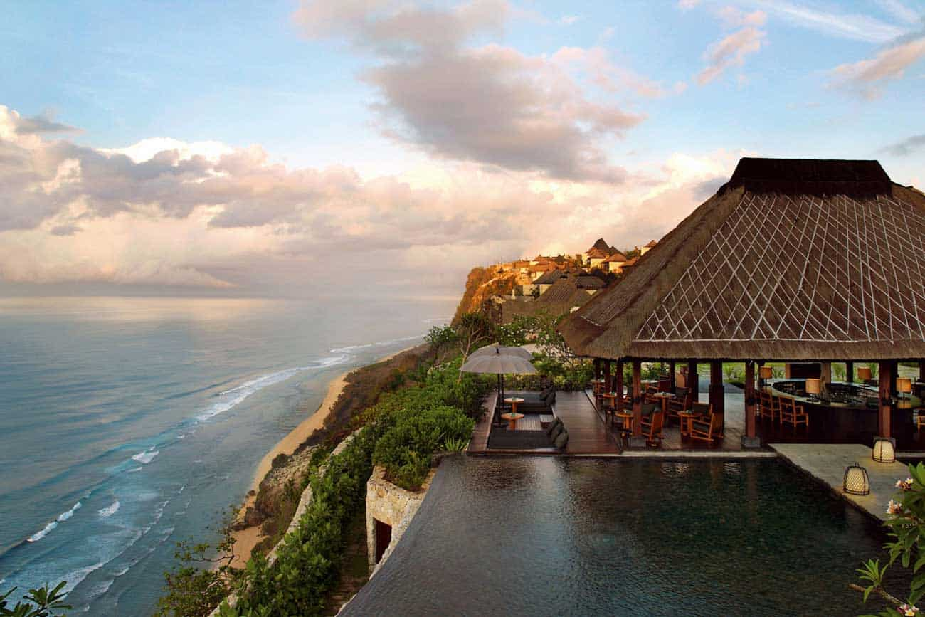 featured posts image for Cliffside Bali resort with awe-inspiring ocean views
