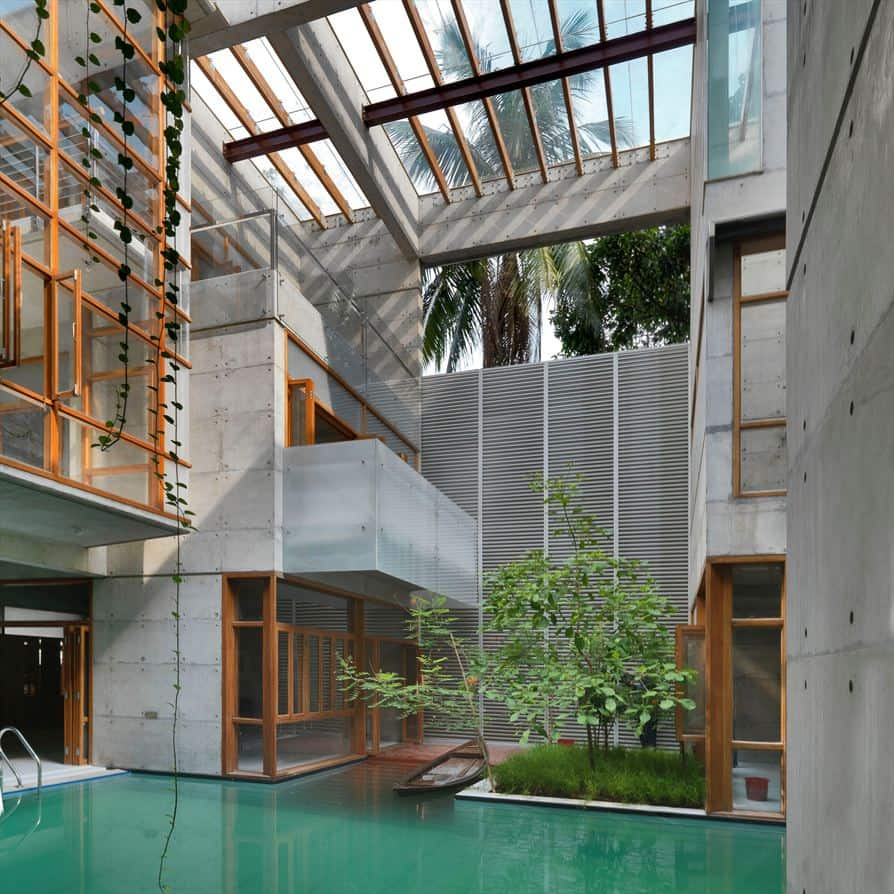 featured posts image for Concrete dwelling with amazing swimming pool