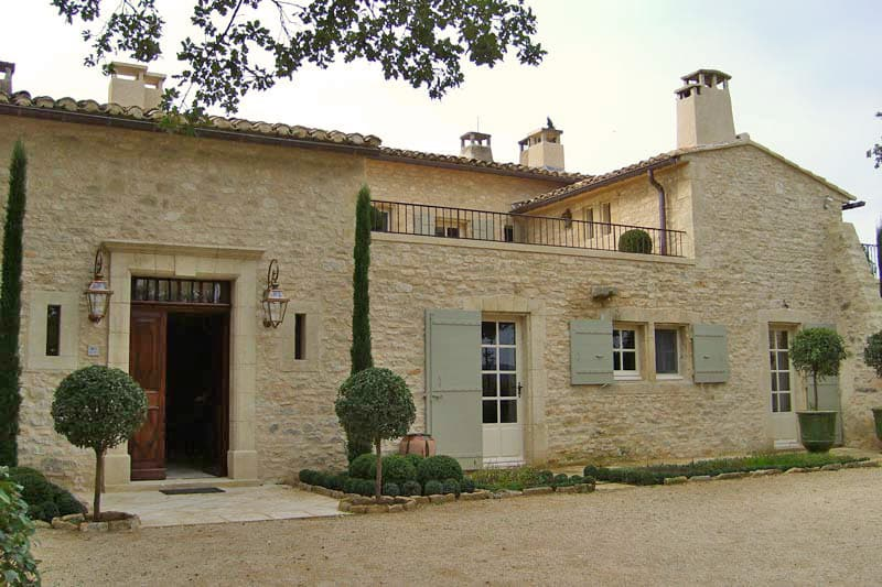 featured posts image for Stunning farmhouse retreat in Provence
