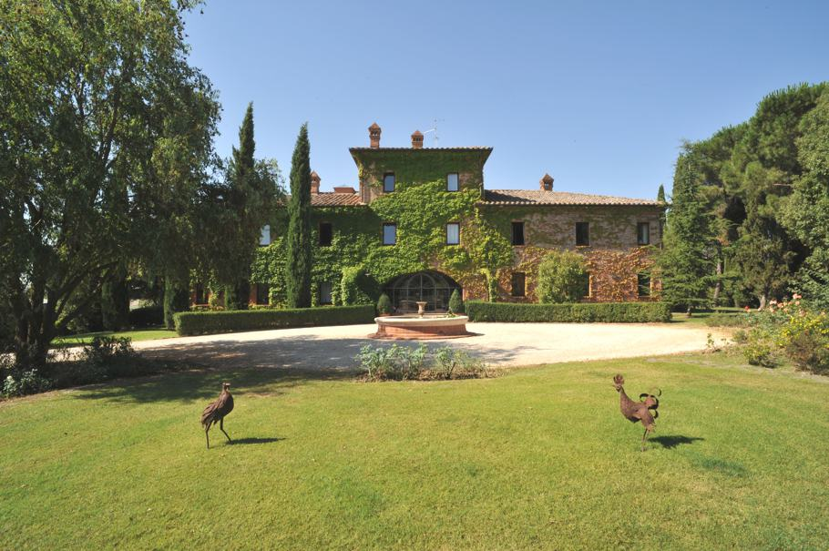 featured posts image for Beautifully restored farmhouse in Tuscany