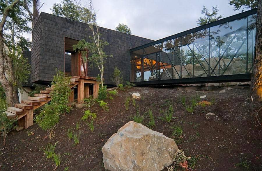featured posts image for Contemporary forested home with spectacular views