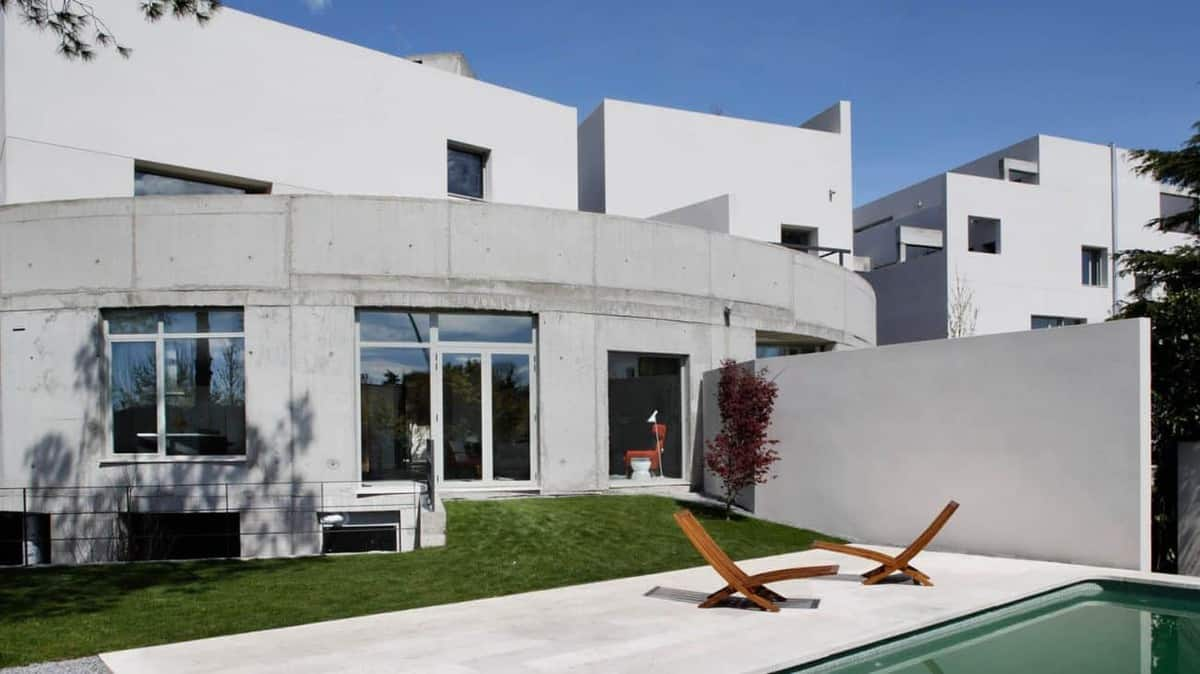 featured posts image for Intriguing Spanish abode with minimalistic details