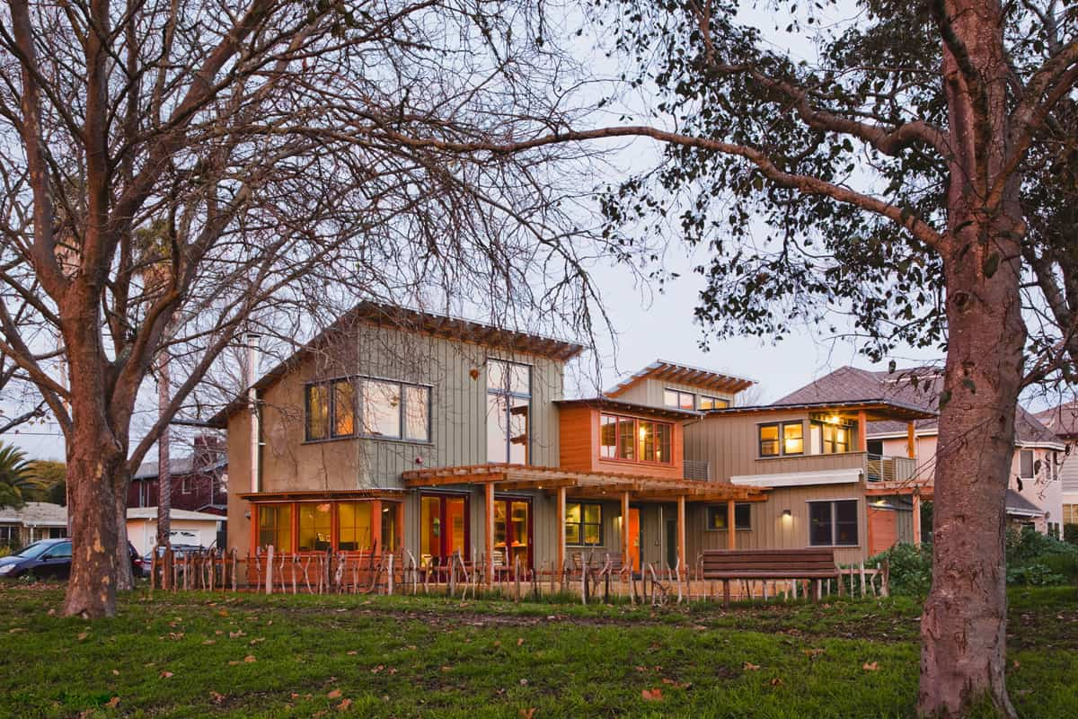 featured posts image for Sustainable straw bale house in Santa Cruz