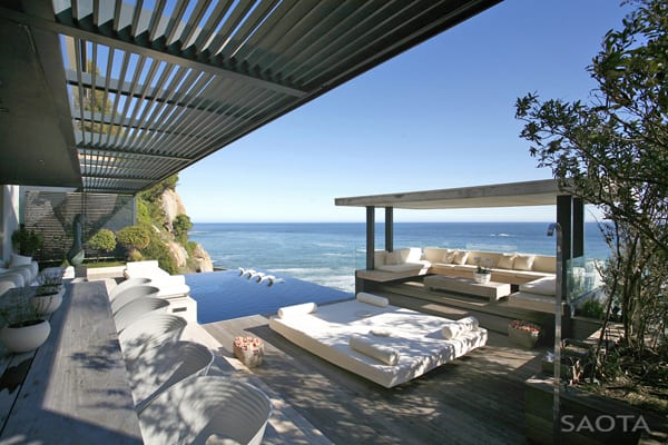 featured posts image for Overlooking Bantry Bay: Victoria 73 House