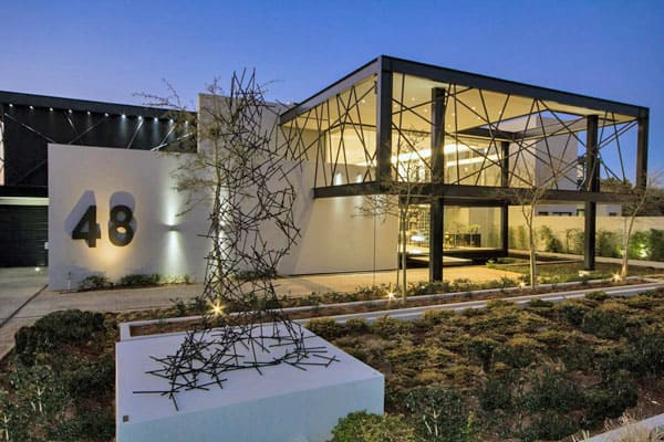 featured posts image for Glass and steel collide in stunning South African property