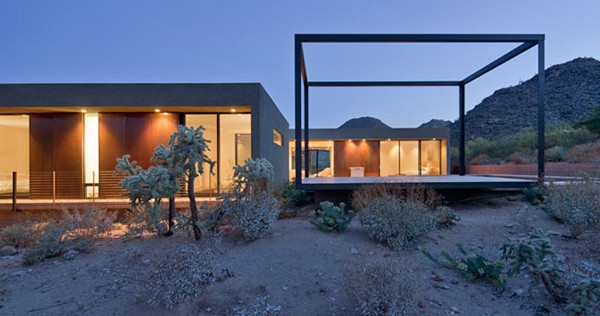 featured posts image for Modern vacation house suspended above the desert