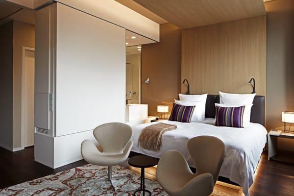 stunning modern update to berlin 39 s das stue hotel. Black Bedroom Furniture Sets. Home Design Ideas
