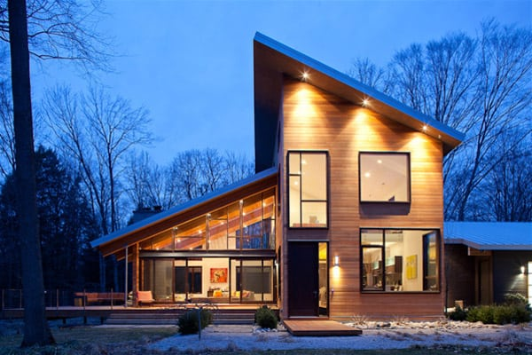 featured posts image for Pigeon Creek Residence melded into Michigan's woodlands