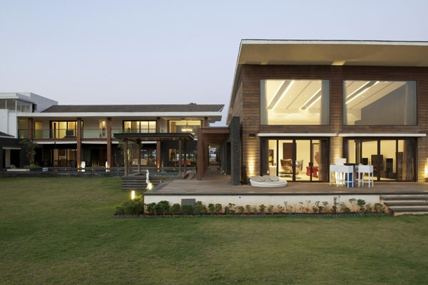 featured posts image for Imposing luxury residence in India: PA House