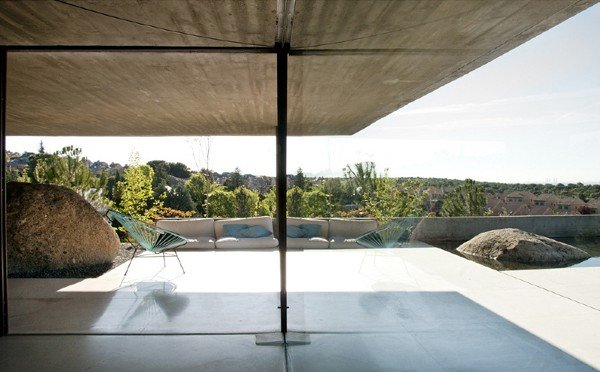 featured posts image for Modern concrete dwelling in Madrid: Pitch's House