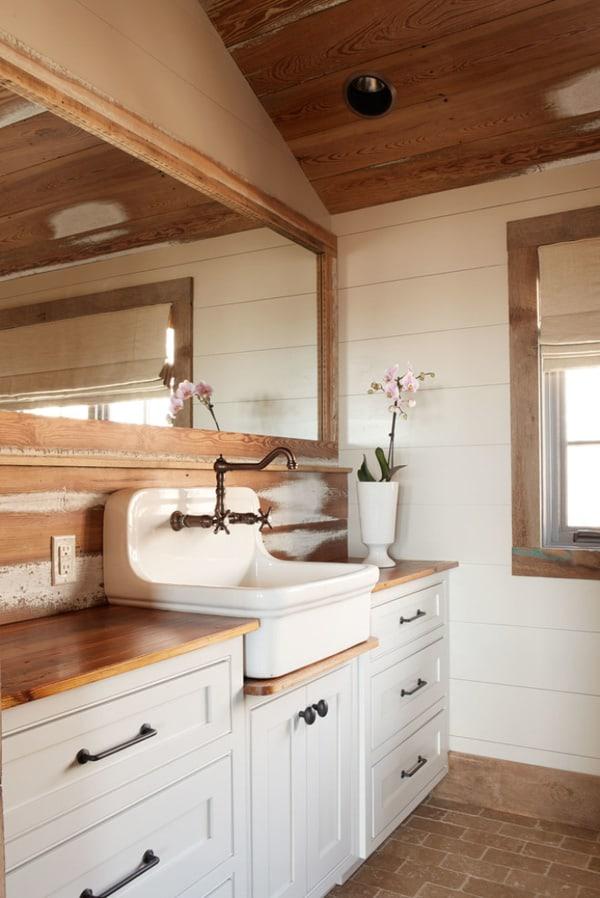 Rustic Barn Bathrooms-18-1 Kindesign