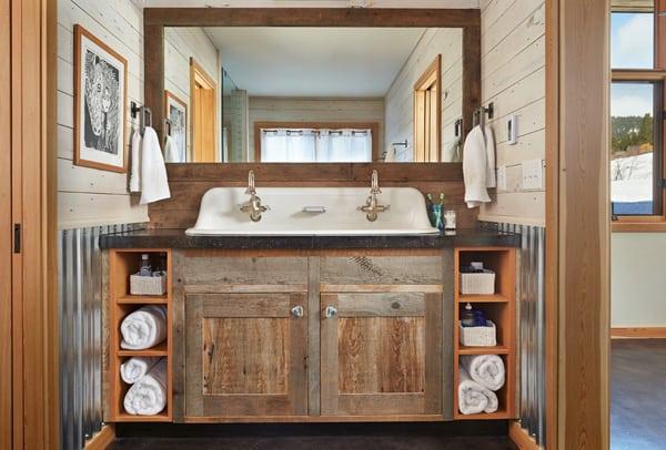 Rustic Barn Bathrooms-21-1 Kindesign