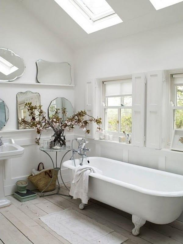 Rustic Barn Bathrooms-27-1 Kindesign