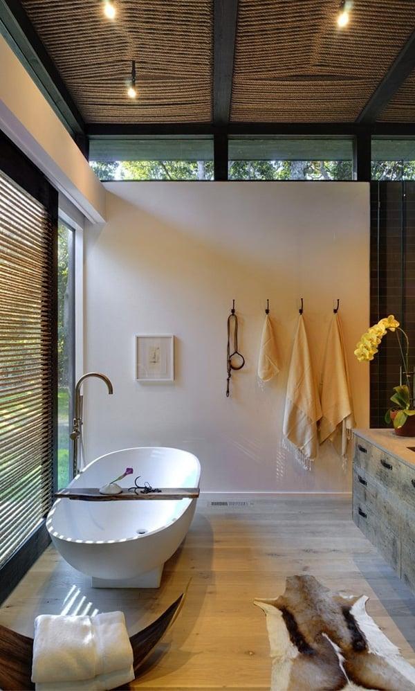 Rustic Barn Bathrooms-28-1 Kindesign