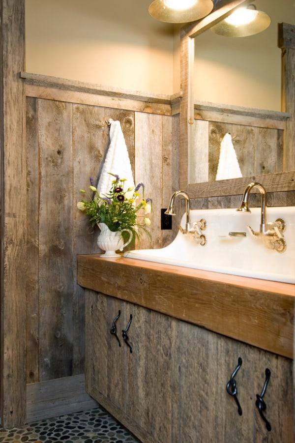 Rustic Barn Bathrooms-33-1 Kindesign