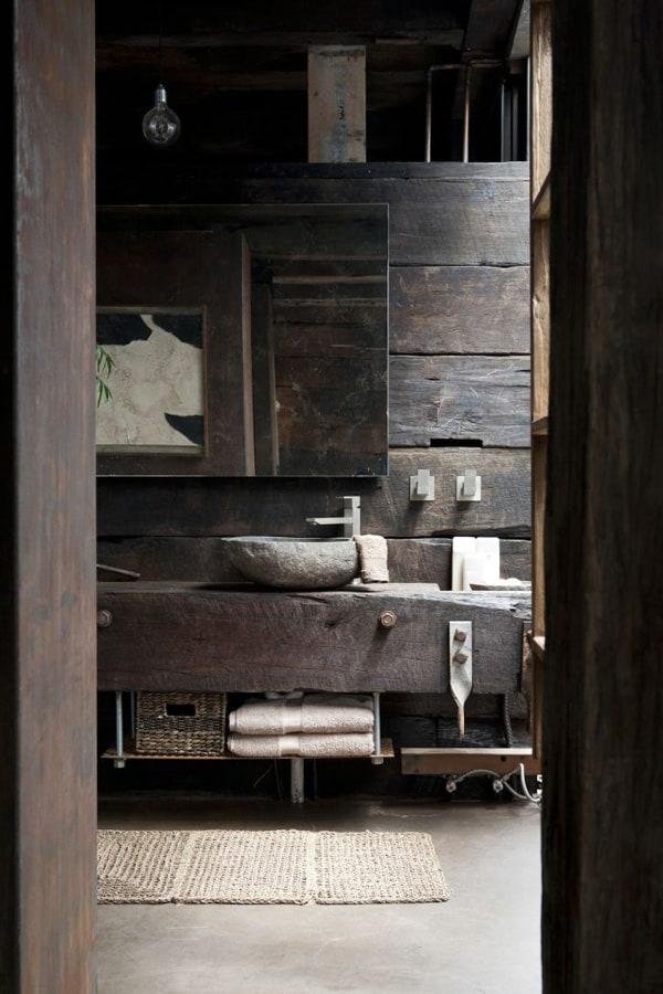 Rustic Barn Bathrooms-36-1 Kindesign