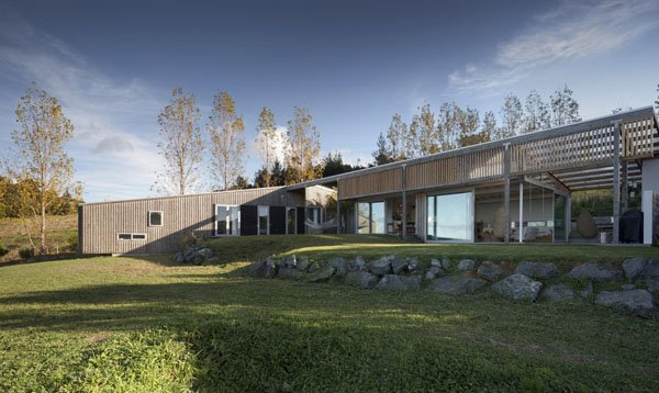 featured posts image for Brick Bay House on the coastal town of Snells Beach