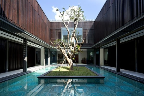 featured posts image for Centennial Tree House with energizing courtyard in Singapore