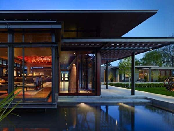 featured posts image for Open glass pavilion house on the shores of Lake Washington