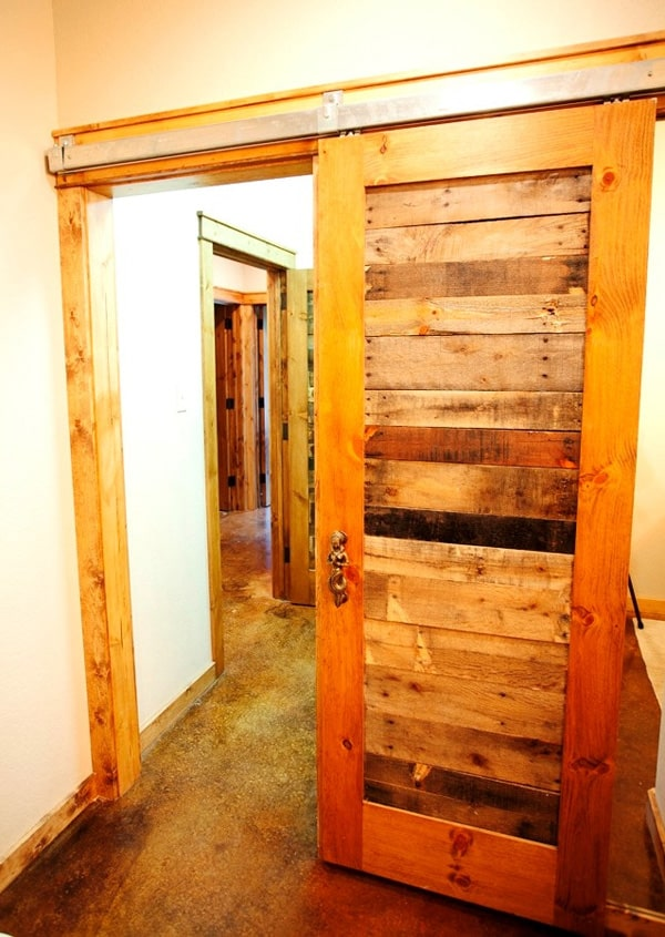 Rustic Modern Residence- Wright-Built-16-1 Kindesign