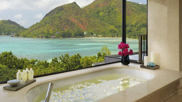Bathrooms with Views-41-1 Kindesign