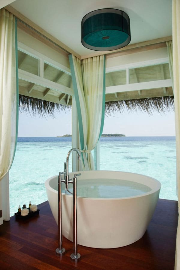 Bathrooms with Views-51-1 Kindesign
