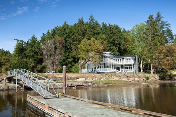 Waterfront Estate-Jodi Foster Design-04-1 Kindesign