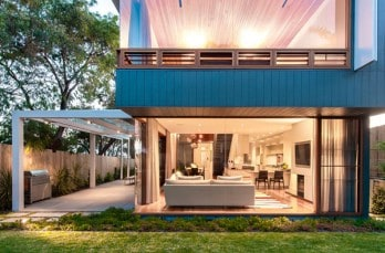 Blurring indoor-outdoor boundaries in Australia: Coogee House
