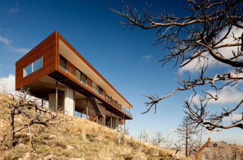 The Sunshine Canyon Residence by THA Architecture