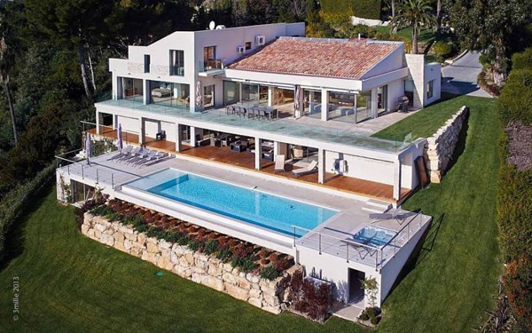 featured posts image for Villa Chamade with panoramic sea views in Cannes