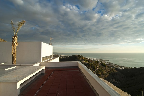 AA House-MVN Architects-08-1 Kindesign