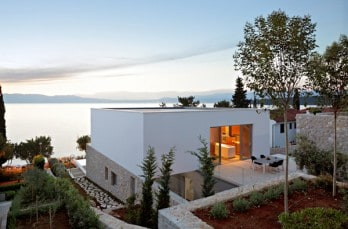House on Krk Island with stunning seaviews by DVA Arhitekta