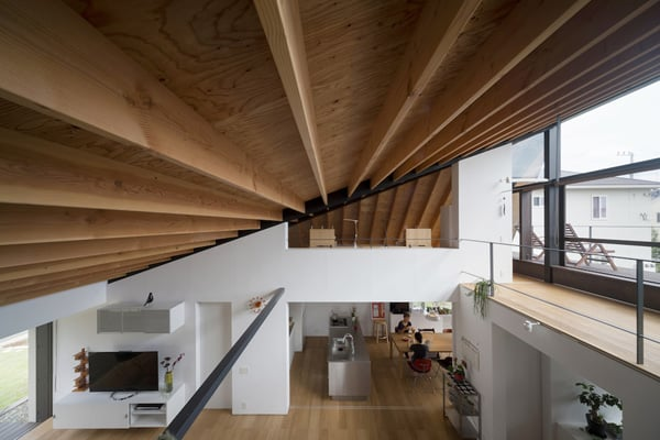 House with a Large Hipped Roof-Naoi Architecture-10-1 Kindesign