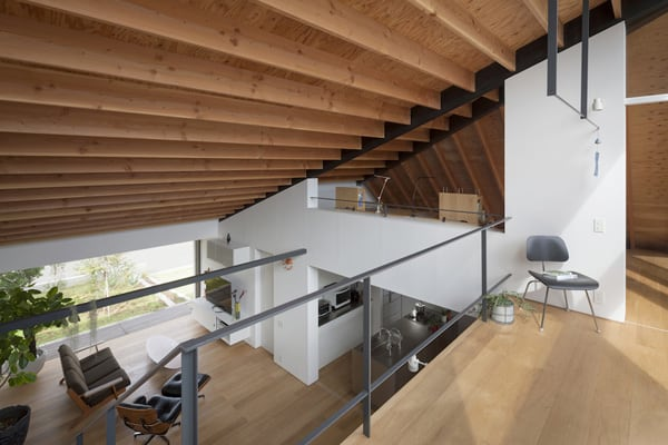 House with a Large Hipped Roof-Naoi Architecture-11-1 Kindesign