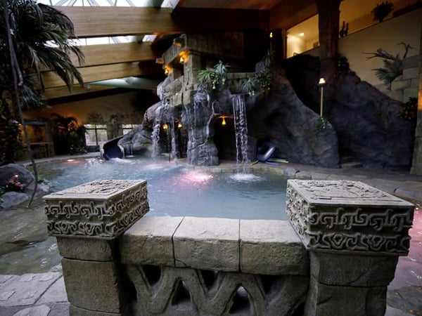 Modern Indoor Pools-06-1 Kindesign