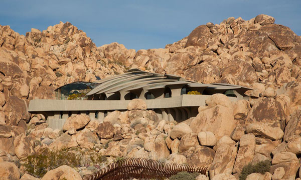 featured posts image for Organic modern estate in Joshua Tree: The Desert House