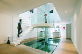 Luminous townhouse renovation in France: White House