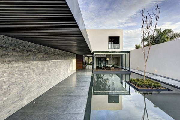 featured posts image for Modern concrete, wood and glass home in Mexico: LA House