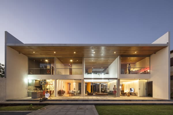 featured posts image for Clean lines and intriguing design details: Linhares Dias House