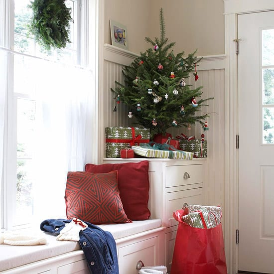 40 fascinating christmas decorating ideas for small spaces Decorating for christmas 2014