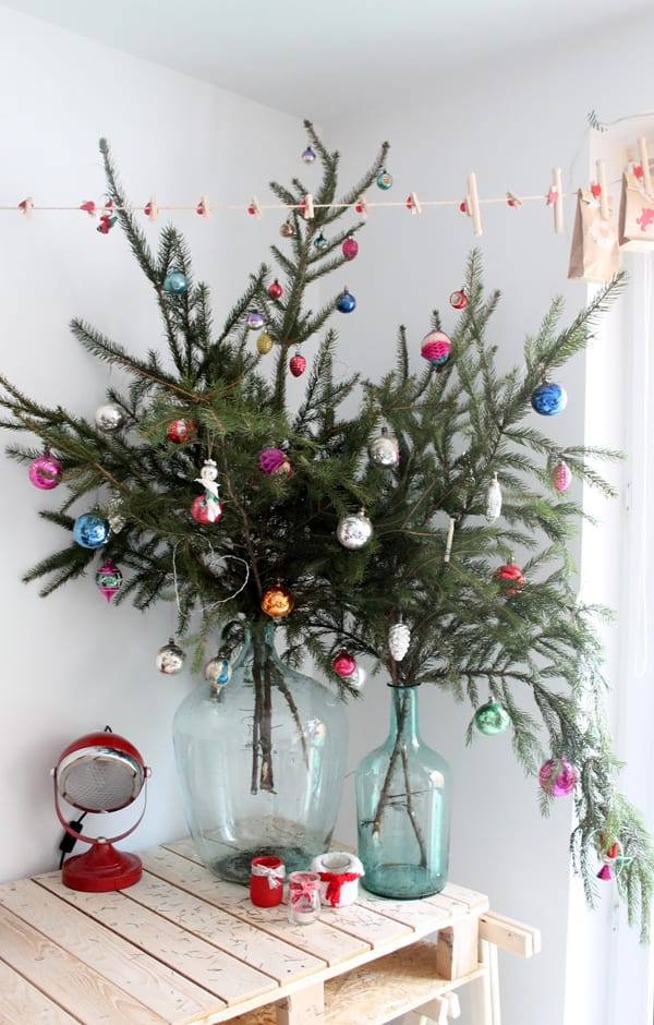 Christmas Decorating Ideas for Small Spaces-05-1 Kindesign