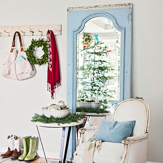 Christmas Decorating Ideas for Small Spaces-23-1 Kindesign
