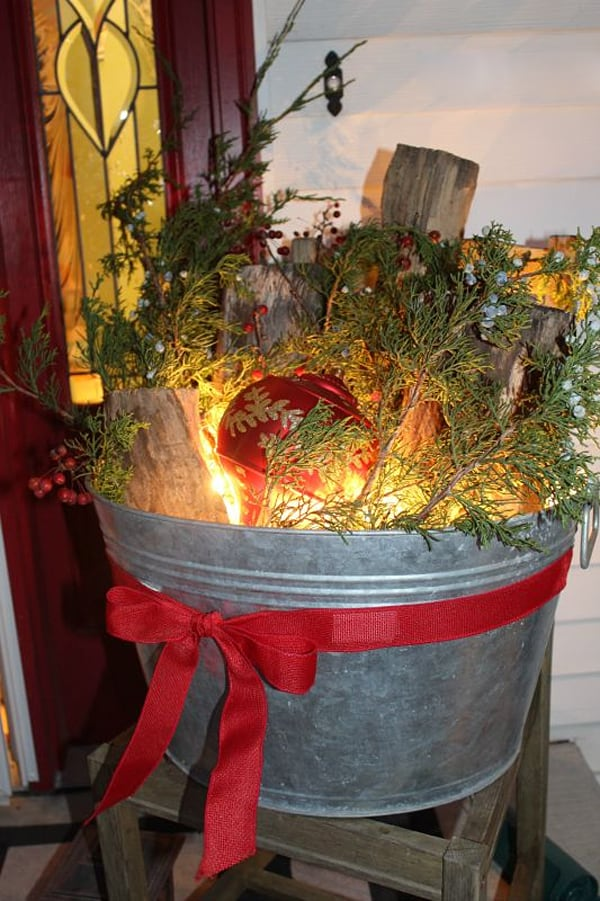 50 fabulous outdoor christmas decorations for a winter