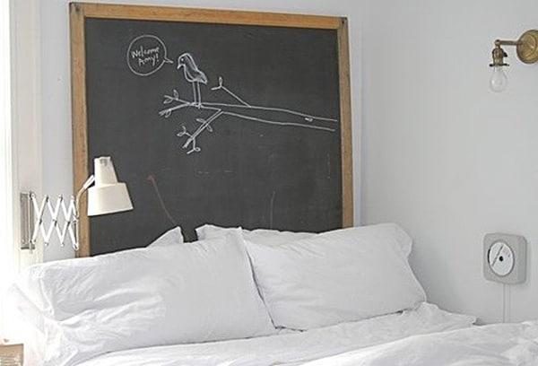 Chalkboard Headboard Ideas-17-1 Kindesign